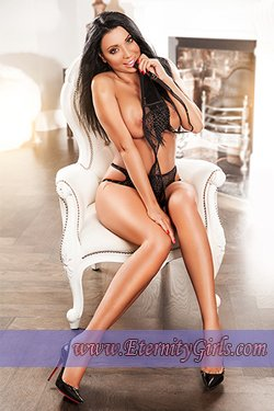 Brunette Paddington W2 London Escort Girl