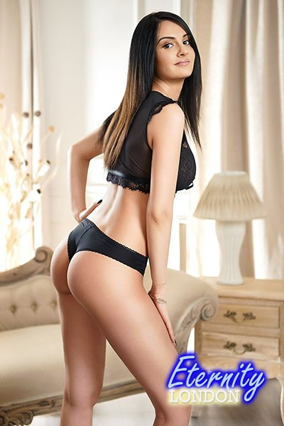 Brunette Bayswater W2 London Escort Girl