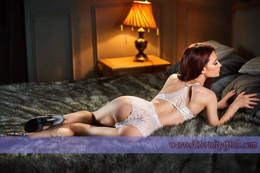 Red Bayswater W2 London Escort Girl