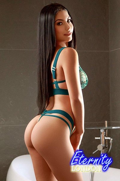 34B OWO, GFE, COB, Party girl, WS, Rimming, Massage, 69, Toys London Escort Zoe