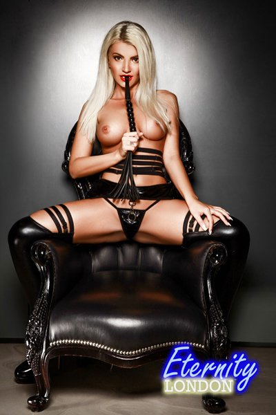Blonde Mayfair W1 London Escort Girl