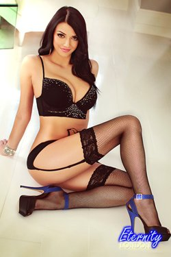 Brunette Gloucester Road SW7 London Escort Girl