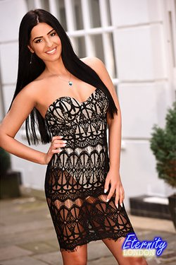 Brunette Liverpool Street E1 London Escort Girl