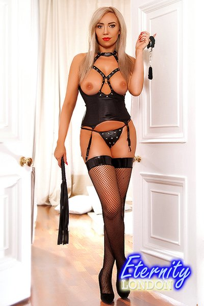 Blonde Earls Court SW5 London Escort Girl