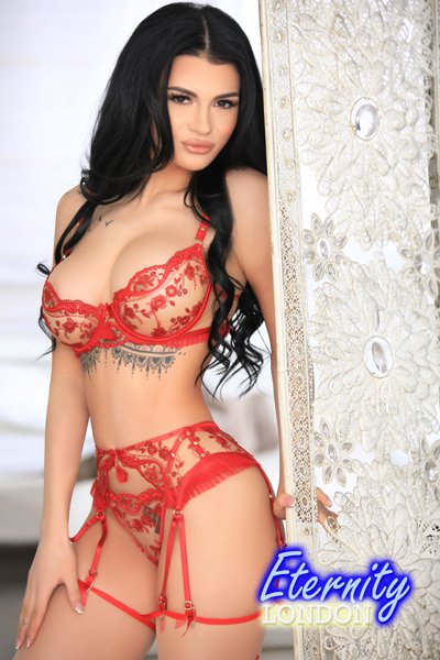32D Expensive High Class Model London Escort France