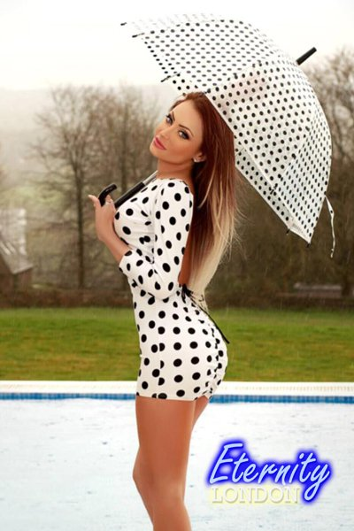 Brunette Sloane Square SW1 London Escort Girl